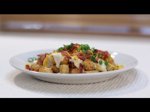 How to make Totchos (Tater Tots, Bacon, Gravy, Cheese)