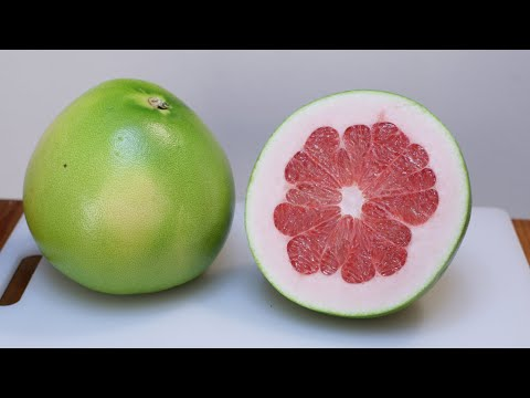 How to Eat a Pomelo | Pomelo Taste Test | Largest Citrus Fruit