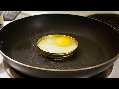 How to Cook an Egg with a Mason Jar Lid | Mason Jar Egg Food Hack