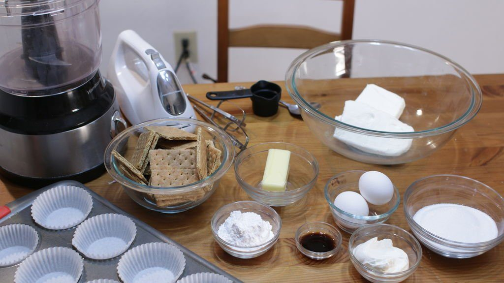 List of ingredients and tools required to make the mini cheesecakes recipe