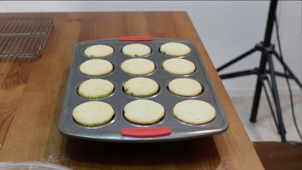 Freshly baked vanilla cupcake recipe