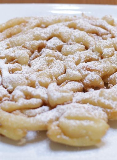 Easy homemade funnel cakes