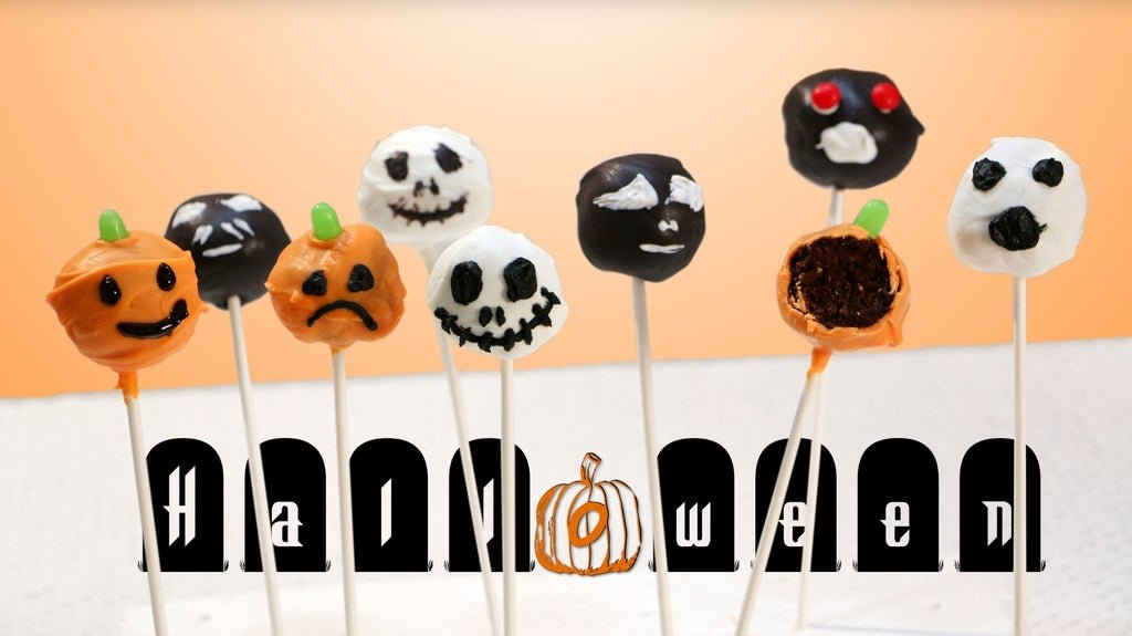 Finished Halloween themed brownie pops.