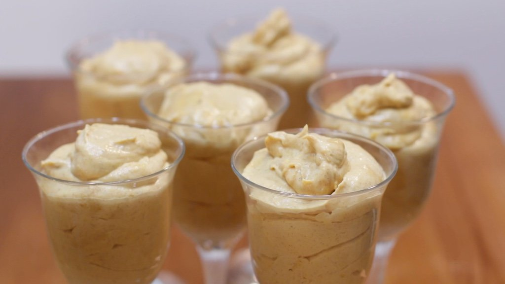 Pumpkin mousse in six glasses.